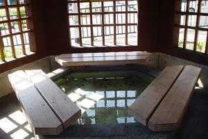 おごと温泉駅の足湯